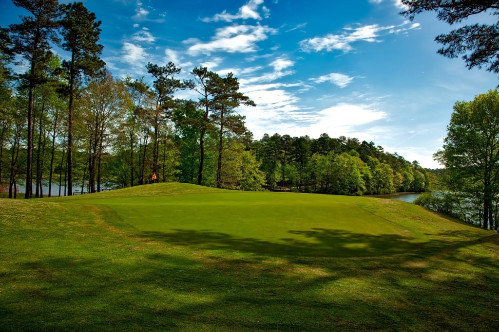 Top 6 Golf Courses From All Around The World