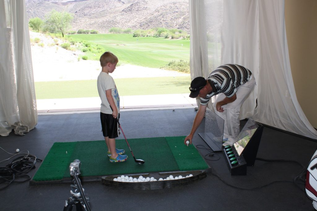 What Are The Best Ways Of Cleaning Golf Tools